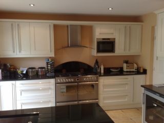 Kingswood kitchens for Normal kitchen pictures